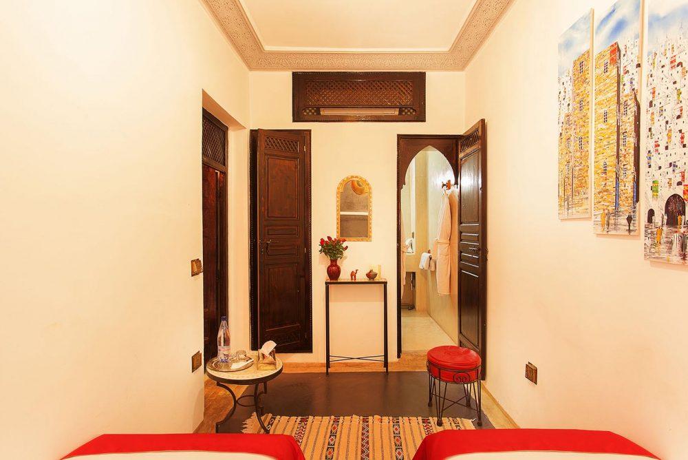 RIAD ALILI MARRAKECH Chambre Jasmin vue salle de bain